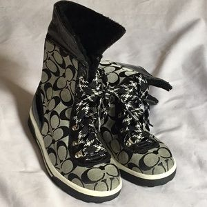 Coach Fur Lined Lace Up Snow Boots 6B